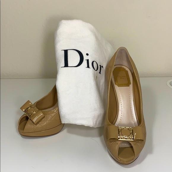 SOLD Dior beige stitched pumps